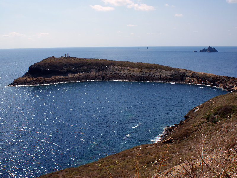 Foto Islas Columbretes desde un extremo de la Illa Grossa