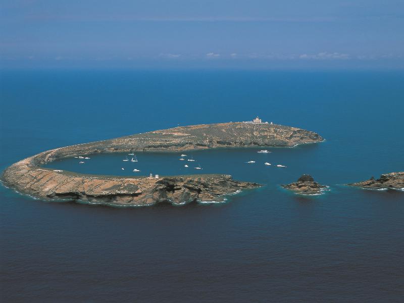 Vista aerea de las islas columbretes de Castellón.